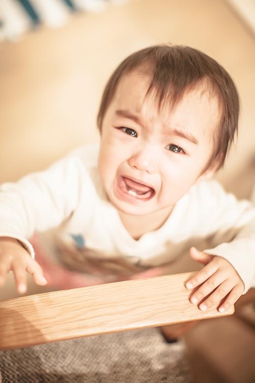 泣く娘 1歳半